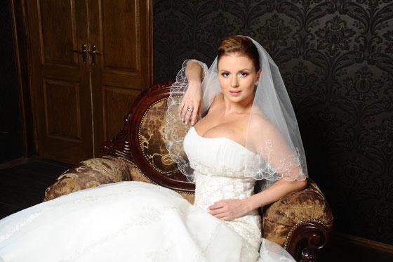 Экс-мужем Анны Семёнович является кинорежиссёр Даниил Мишин. С его помощью...