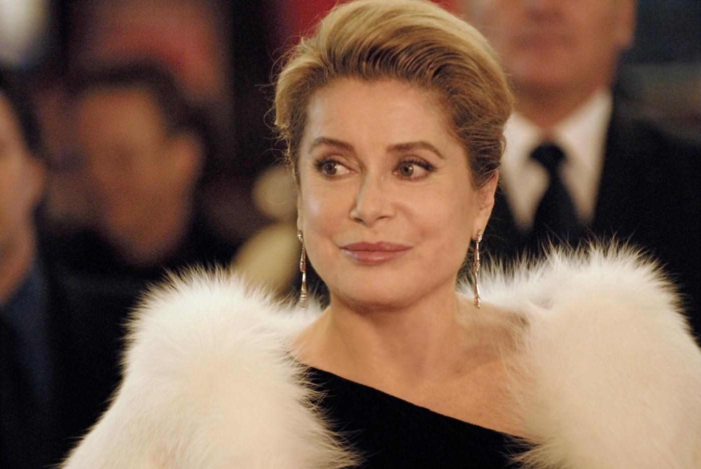 духами известные французские актеры кино женщины магазинах