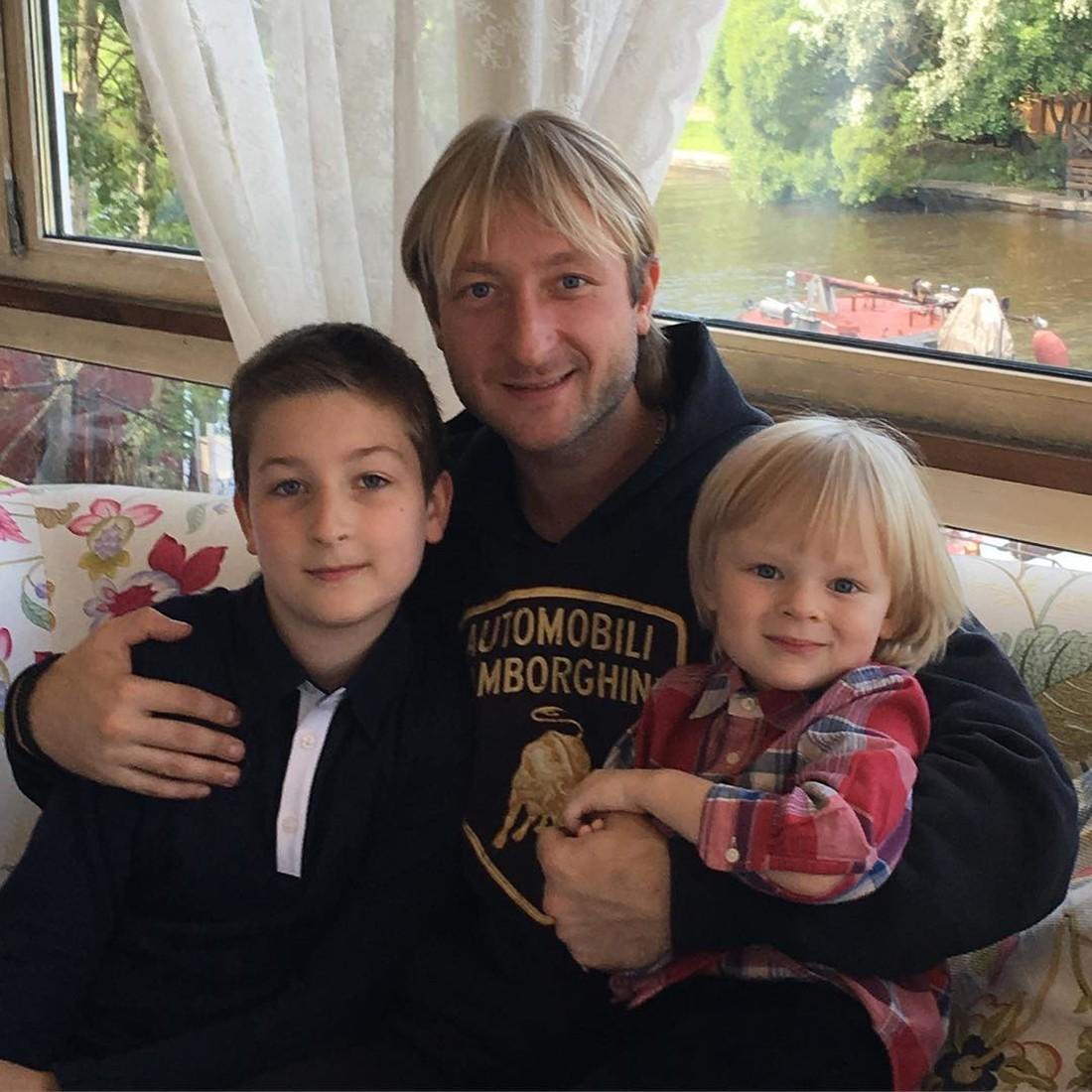 евгений плющенко с сыном последние фото профессионалы, ятс