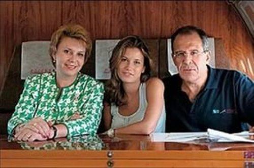 сергей лавров семья фото