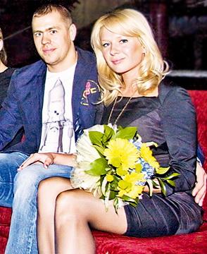 Владимир Антипов, жена