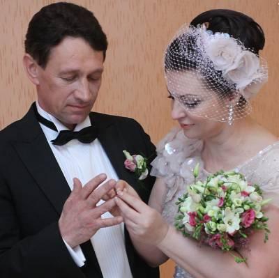 Наталья Толстая, муж