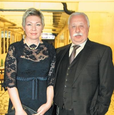 Леонид Якубович, жена