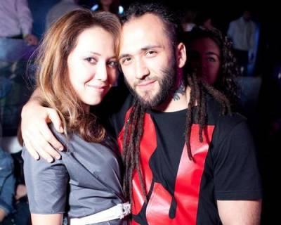Карина Кокс, муж