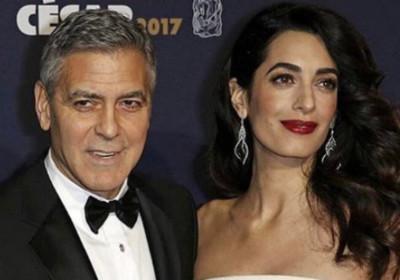 Джорджа Клуни выселила его беременная жена