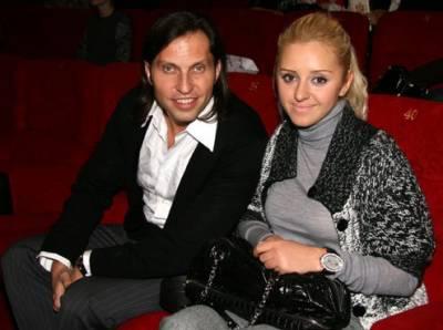 Александр Ревва, жена