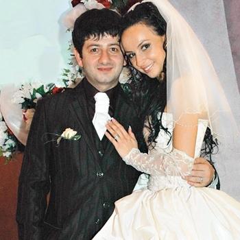 Михаил Галустян, жена