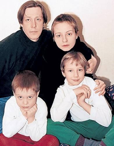 Михаил Ефремов, жены