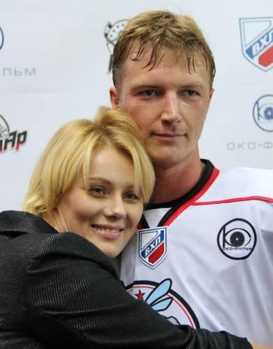 Сергей Мухин, жена