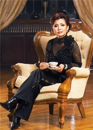 Роза Рымбаева, муж