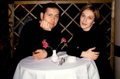 Александр Демидов, жена