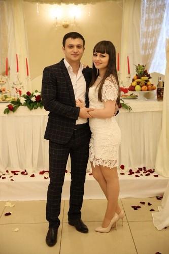 Артур Саркисян, жена