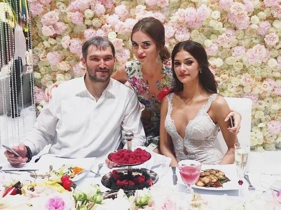 Жена Александра Овечкина - фото, новости