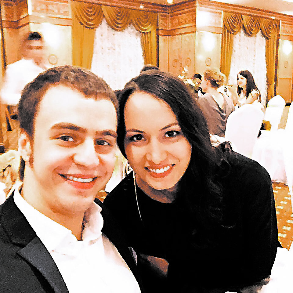 Жена Ивана Абрамова - фото с женой и дочкой