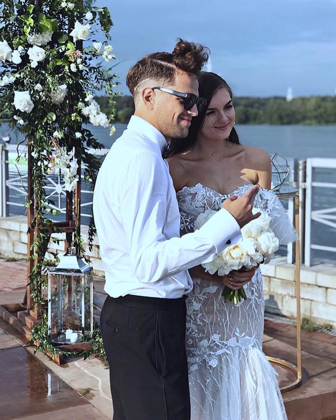 Жена Олега ЛСП - фото, личная жизнь Олега Савченко