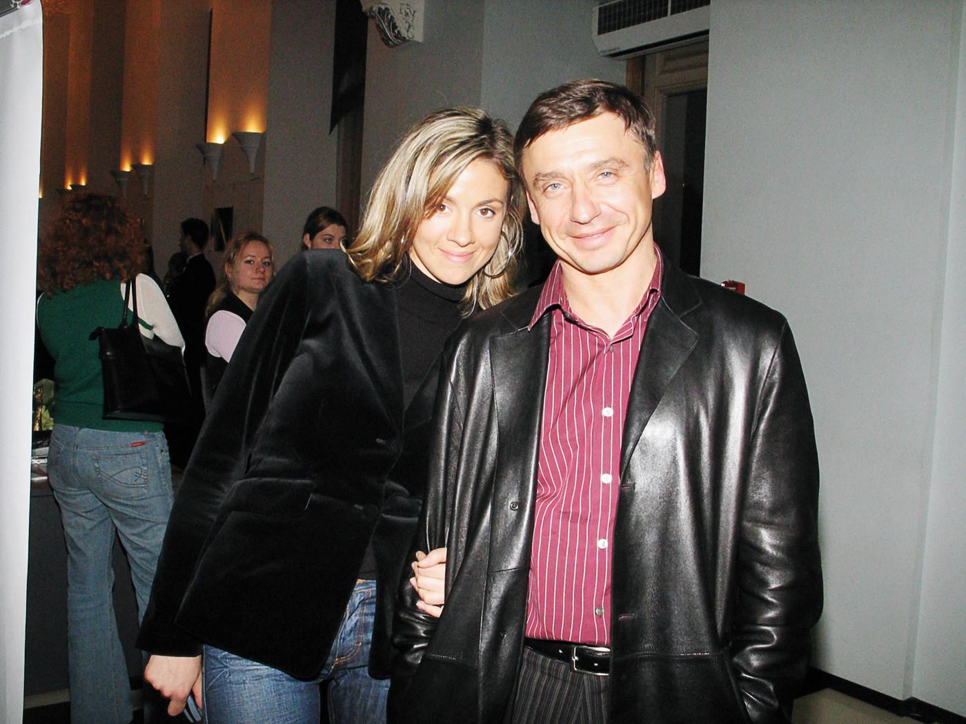 френч антон табаков и его жены фото день так отмечается