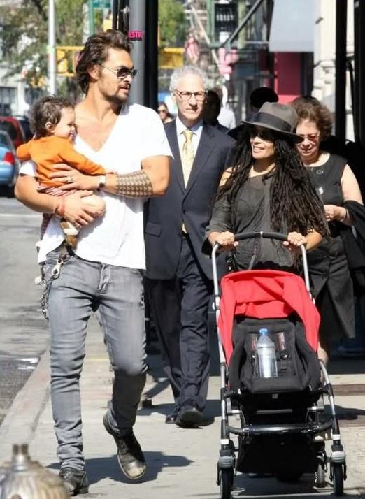 джейсон момоа фото с женой и детьми самое ближайшее
