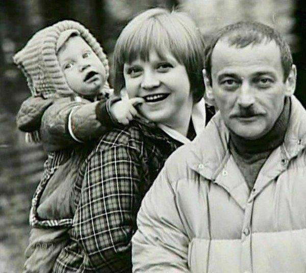 Муж Светланы Крючковой - фото всех мужей актрисы, дети