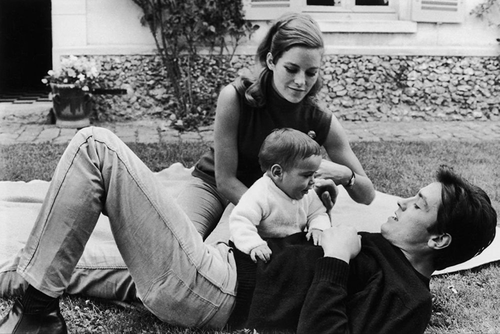 Жена Алена Делона - фото всех жен, личная жизнь, дети