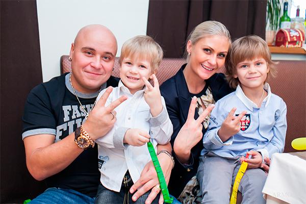 Жена Доминика Джокера - фото, личная жизнь, семья, дети