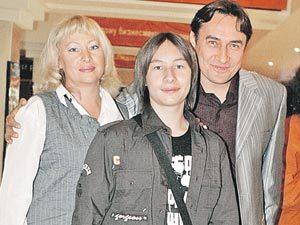 Жена Камиля Ларина