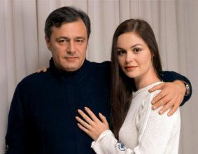 5 идеальных браков известных телеведущих