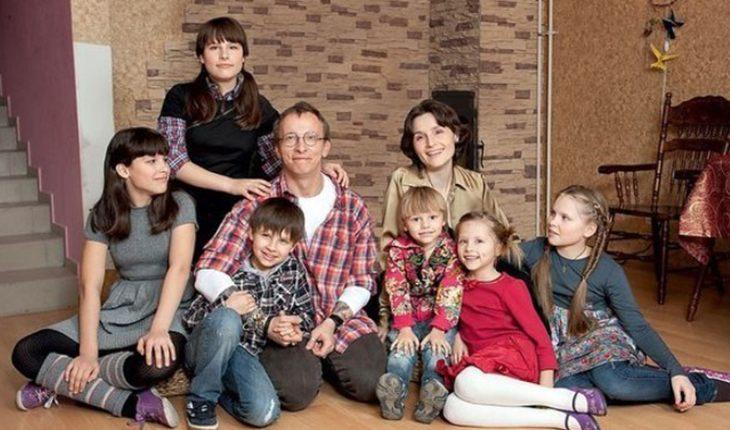 Звездные пары, воспитывающие больше 5 детей