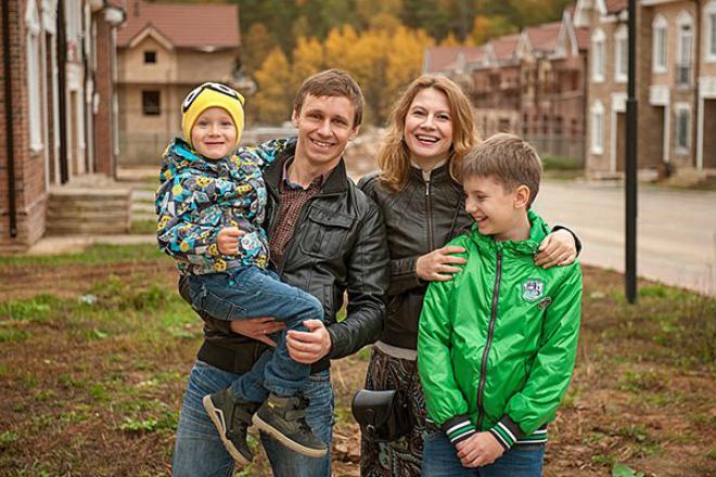 Жены и мужья актеров из сериала «Универ»